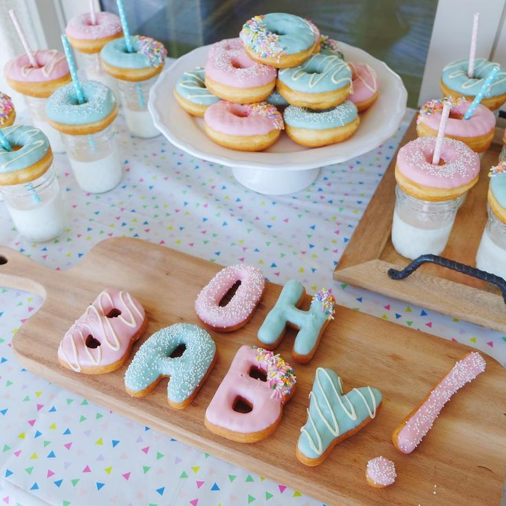 Donut baby shower table