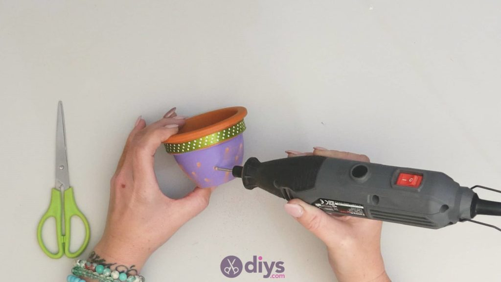 Diy colourful flower pot step 3g