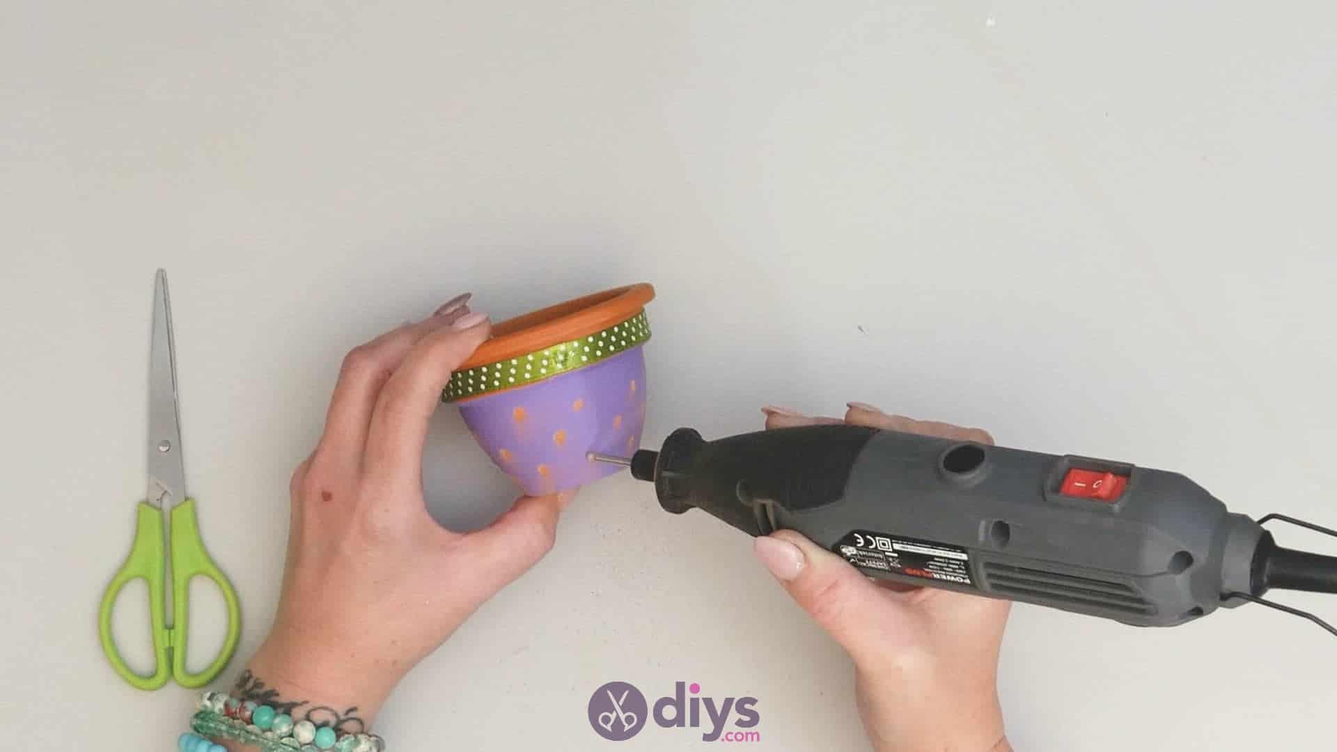 Diy colourful flower pot step 3h