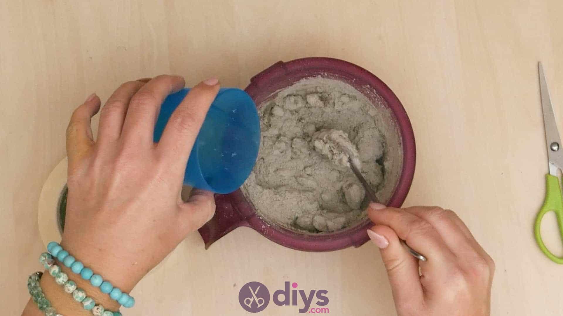 Diy concrete ashtray step 2