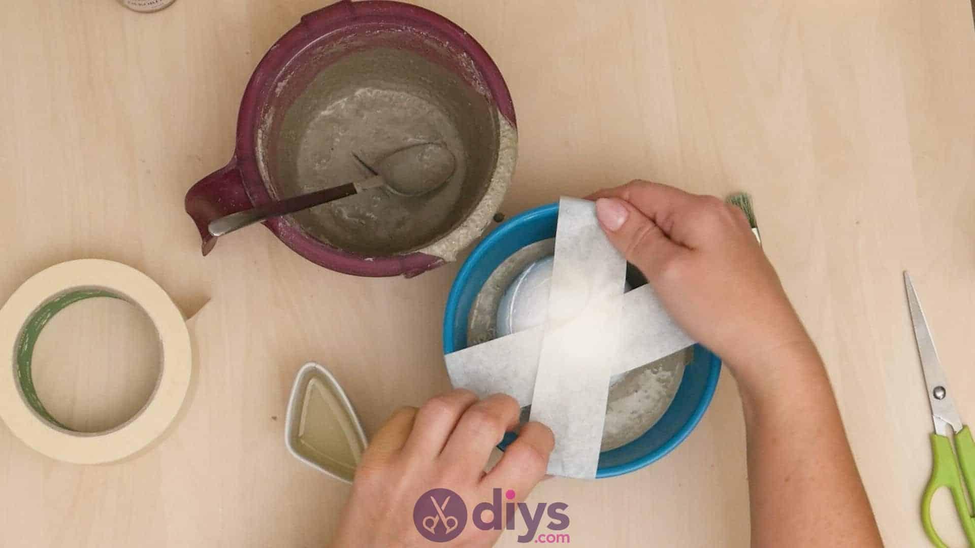 Diy concrete ashtray step 4b