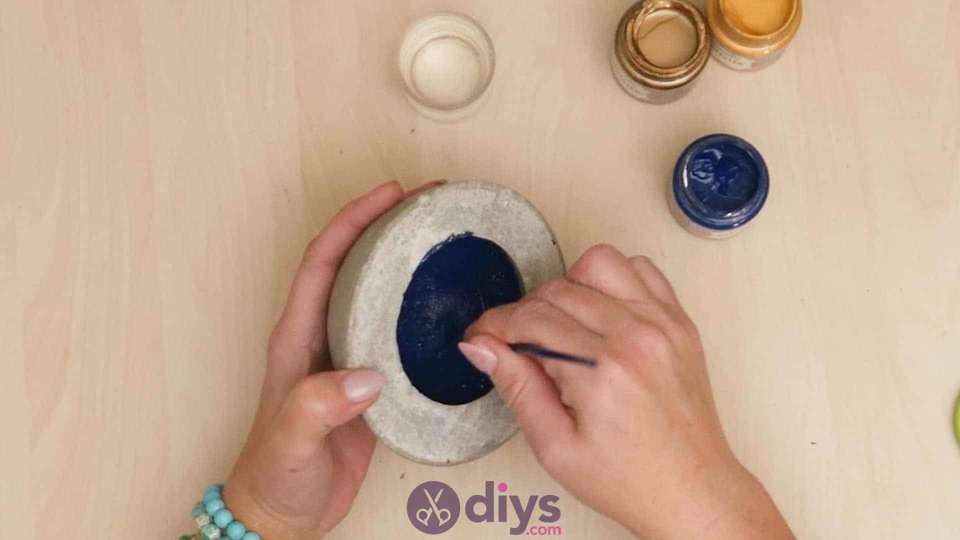 Diy concrete ashtray step 6a