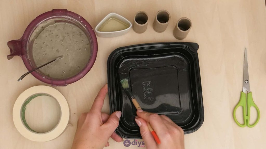 Diy concrete candle holder plate step 2