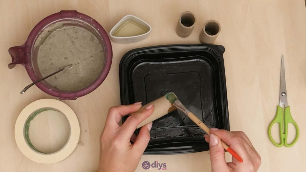 Diy concrete candle holder plate step 3a
