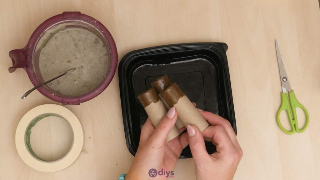 Diy concrete candle holder plate step 3b