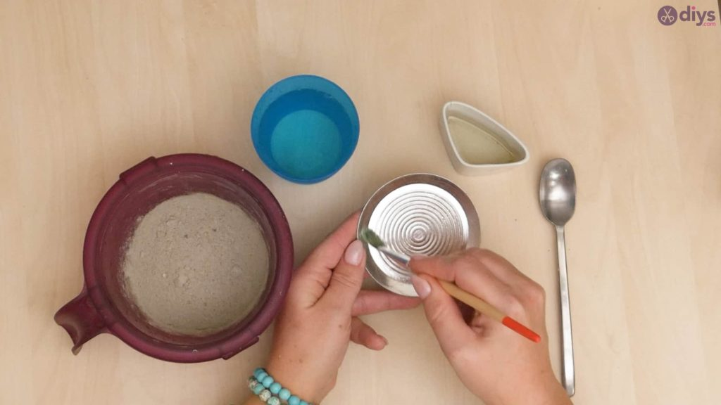 Diy concrete cup holder step 1