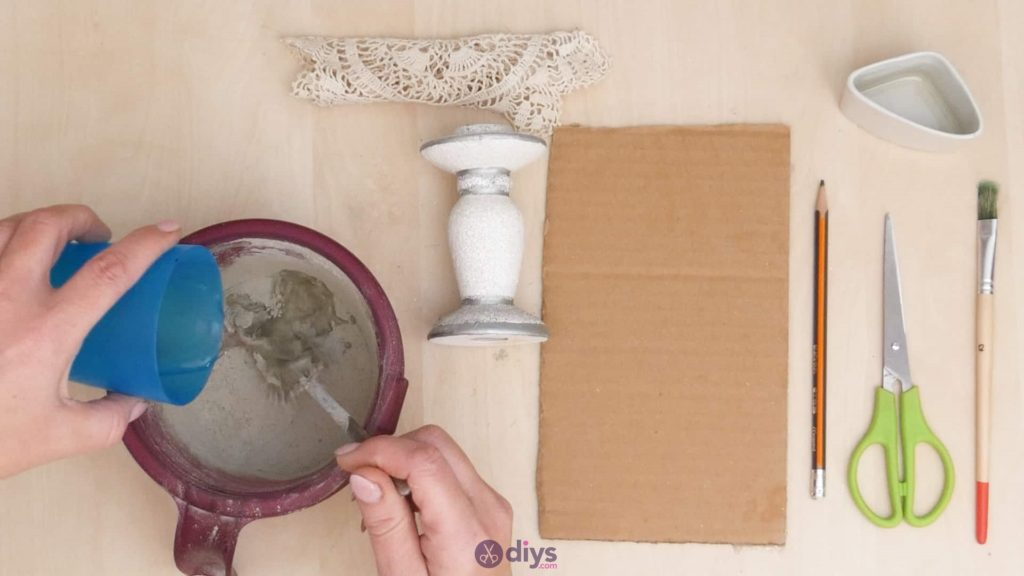 Diy concrete doily stand step 2