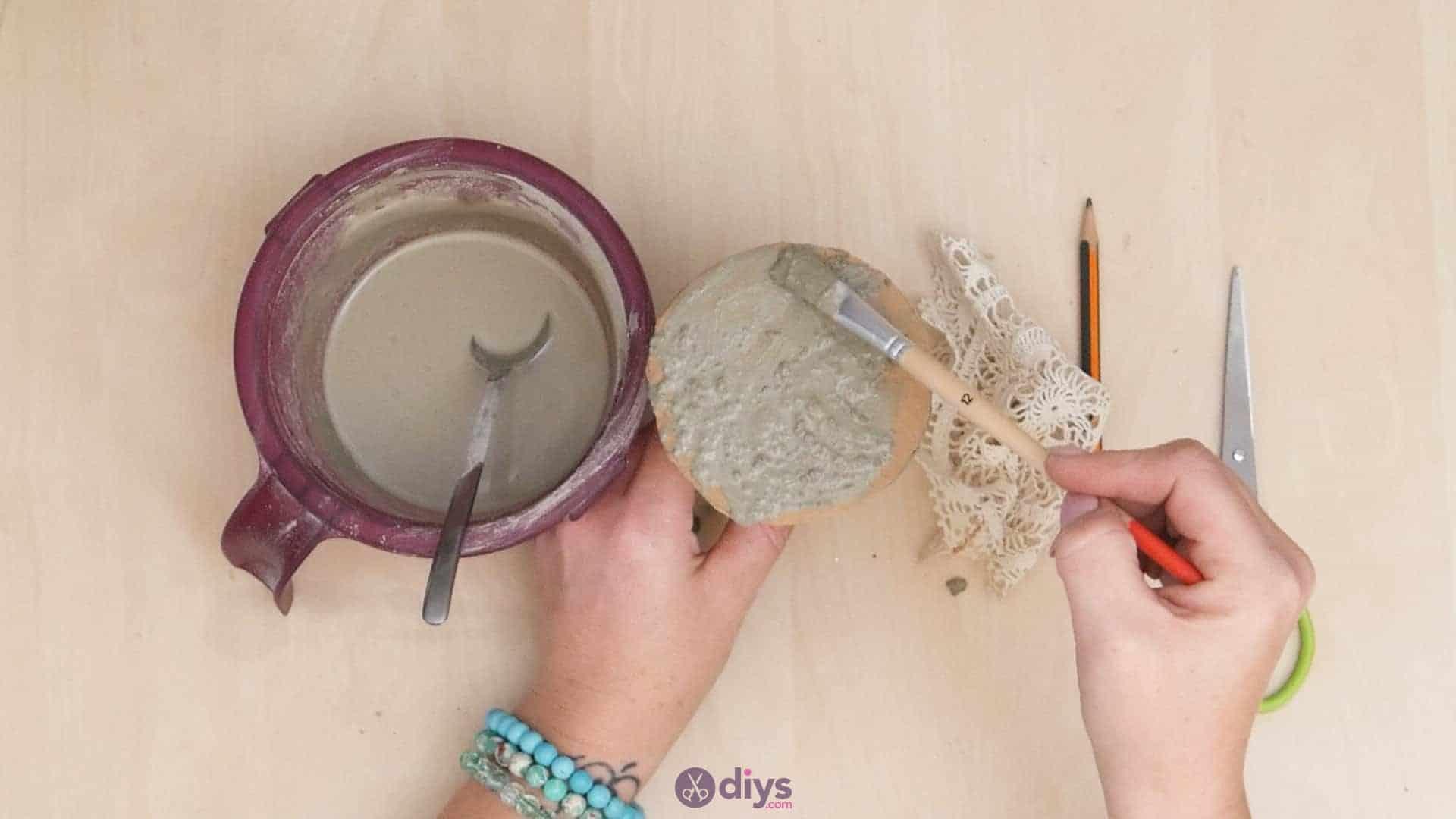 Diy concrete doily stand step 5a