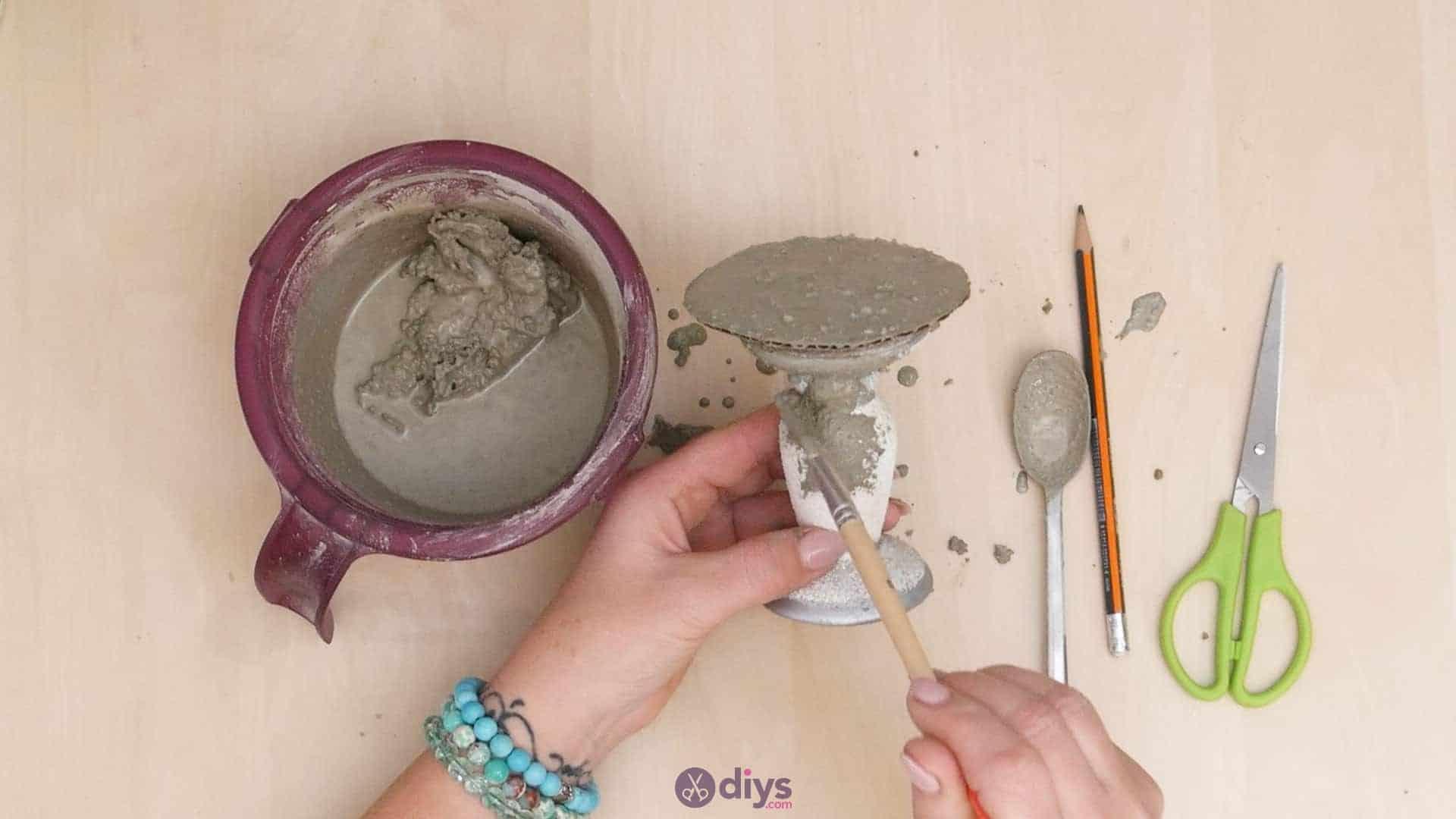 Diy concrete doily stand step 7