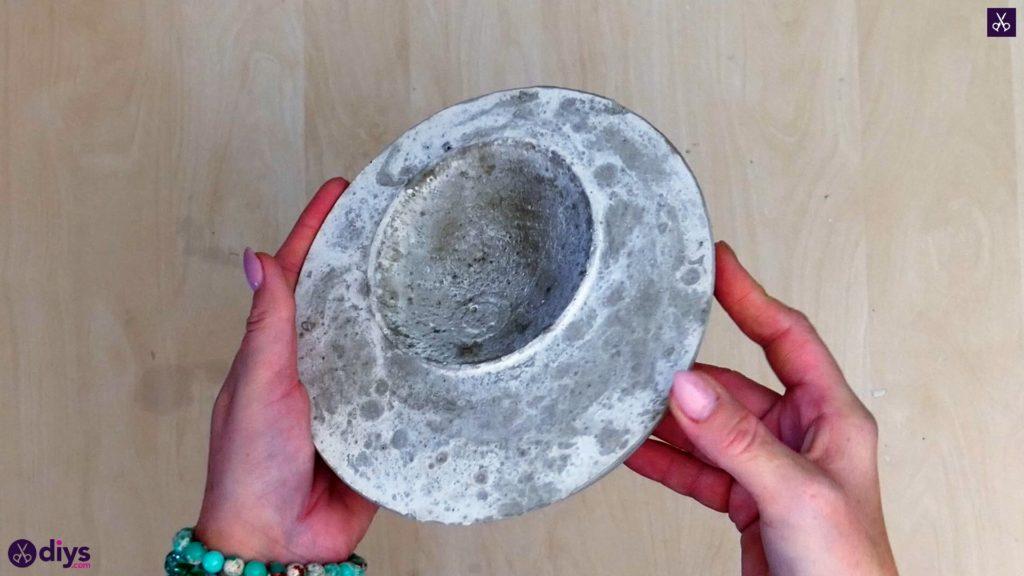 Diy concrete jewelry holder dish step 8d