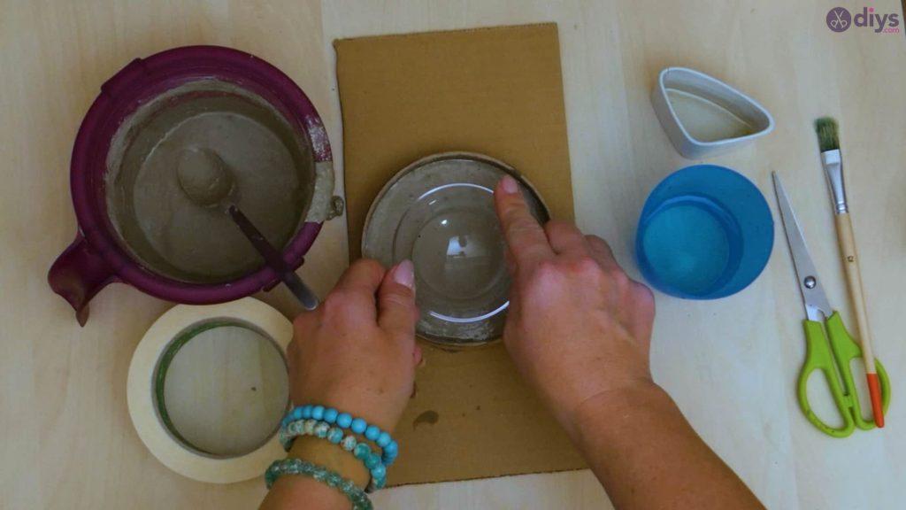 Diy concrete tiny bowl step 7a
