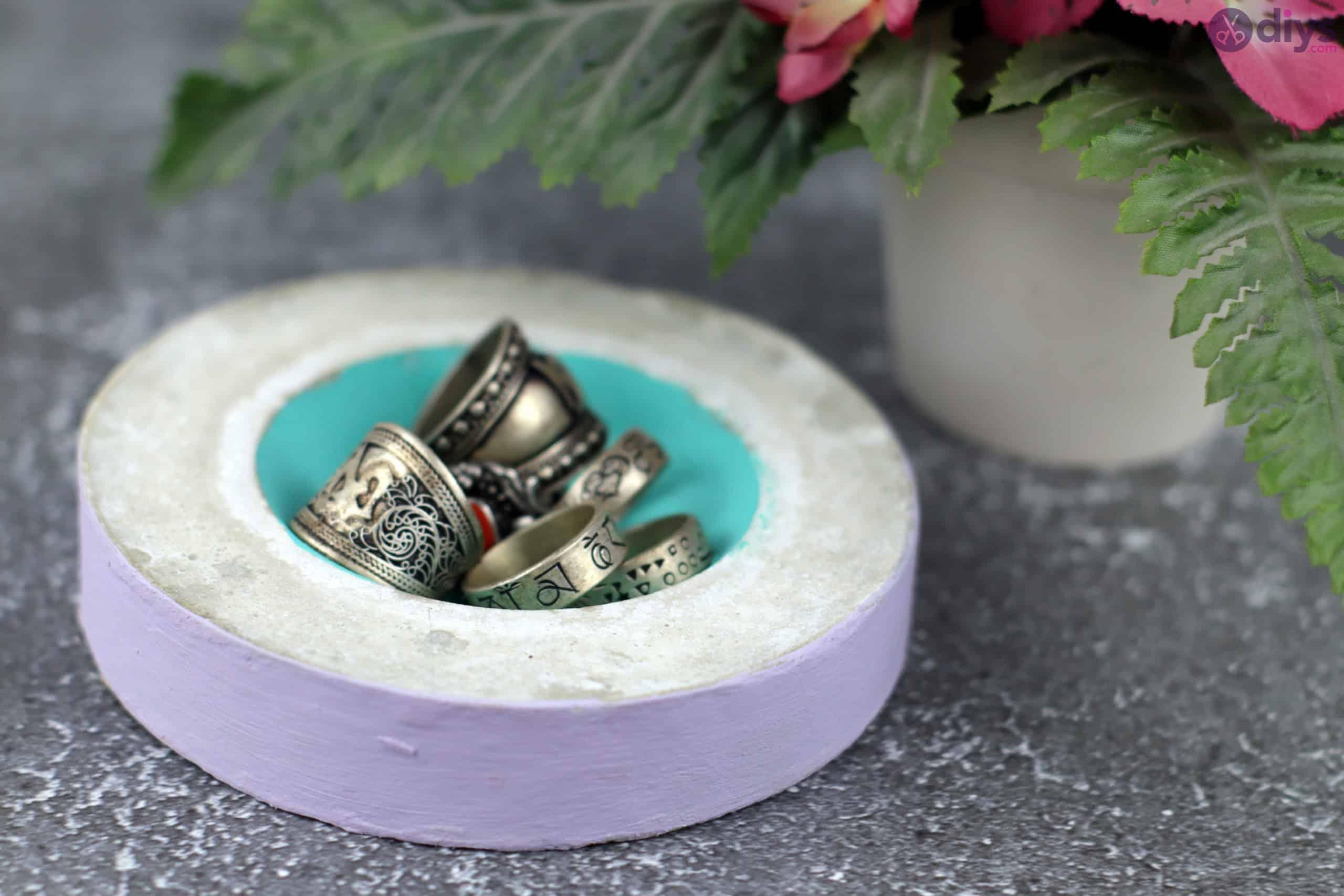 Diy concrete tiny bowl step 9g