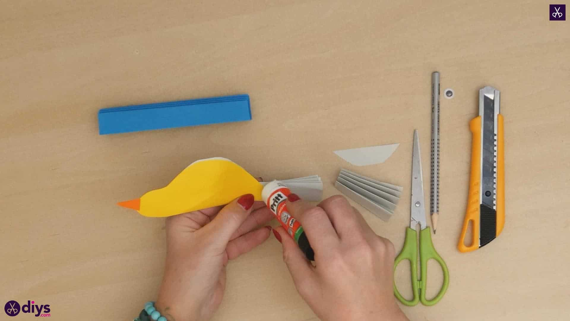 Diy easy paper bird step 11b