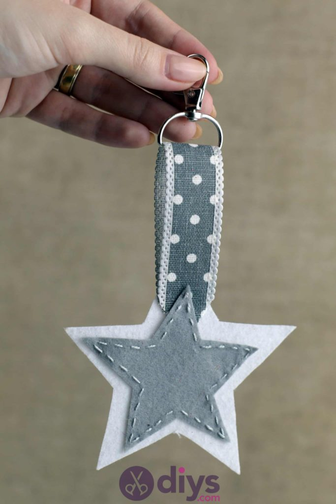 Diy felt star keyholder craft