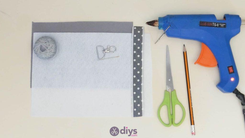 Diy felt star keyholder materials