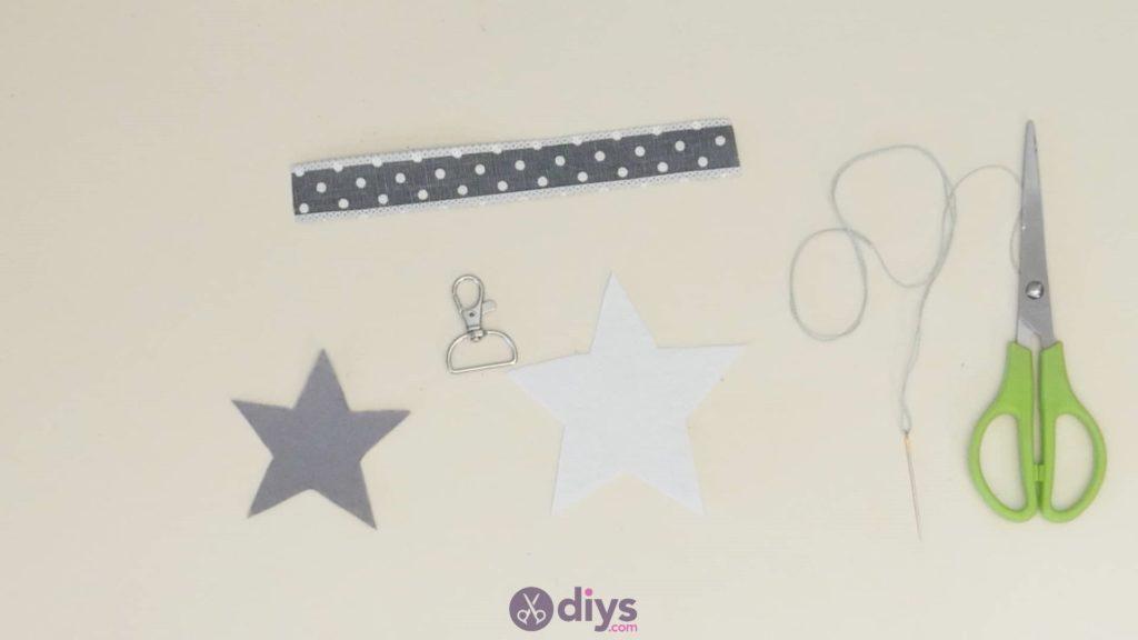 Diy felt star keyholder step 3c