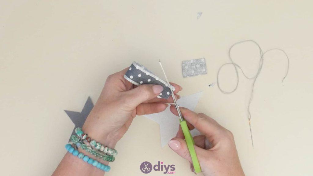 Diy felt star keyholder step 4
