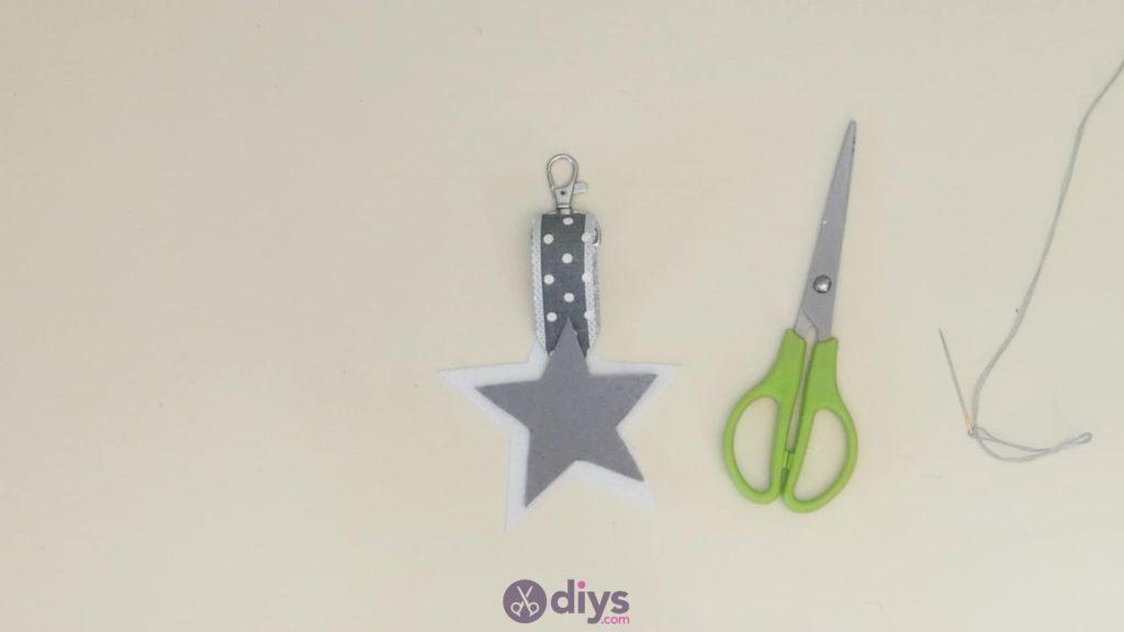 Diy felt star keyholder step 5
