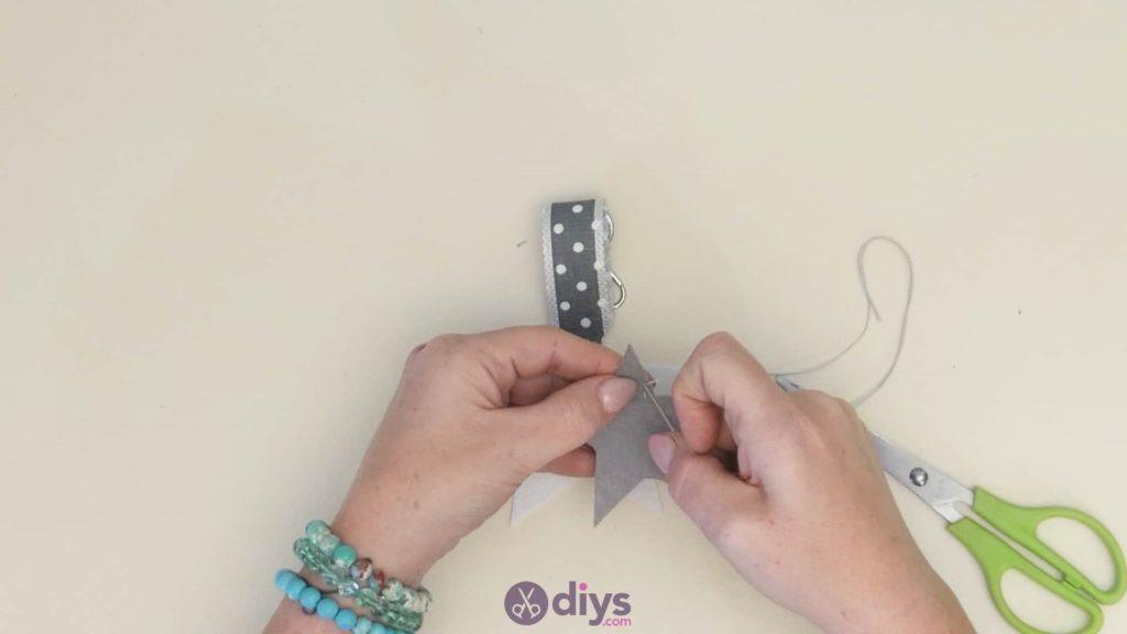 Diy felt star keyholder step 6