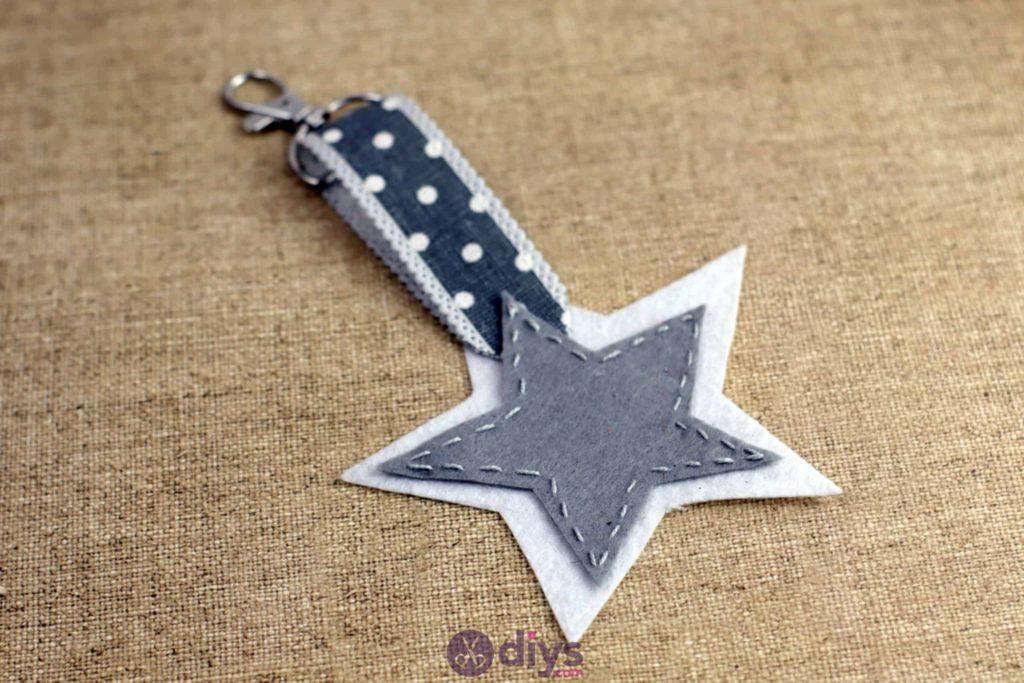 Diy felt star keyholder step 7 cute
