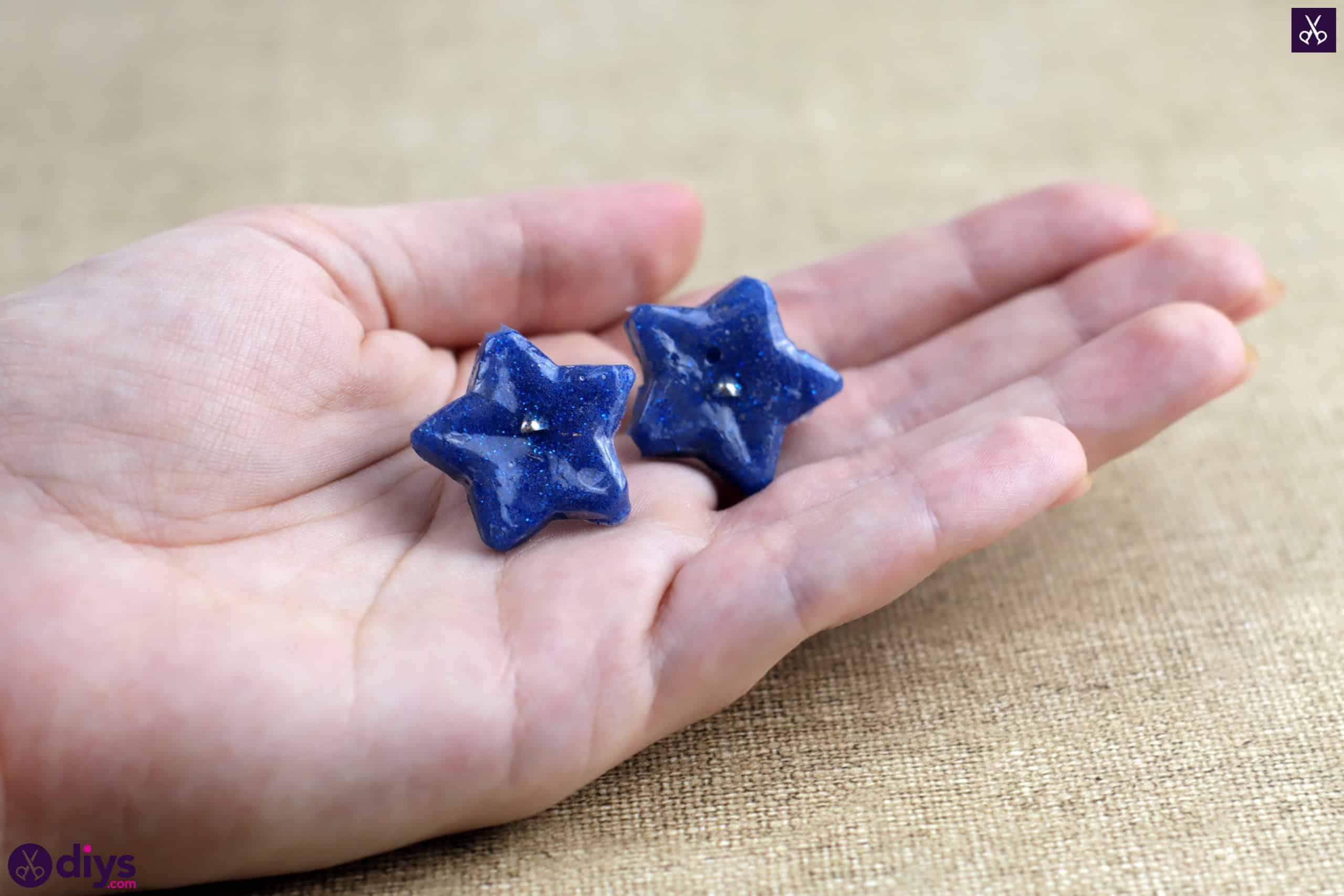 Diy hot glue star earrings blue