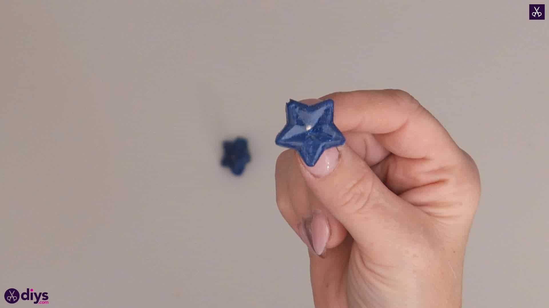 Diy hot glue star earrings step 4c