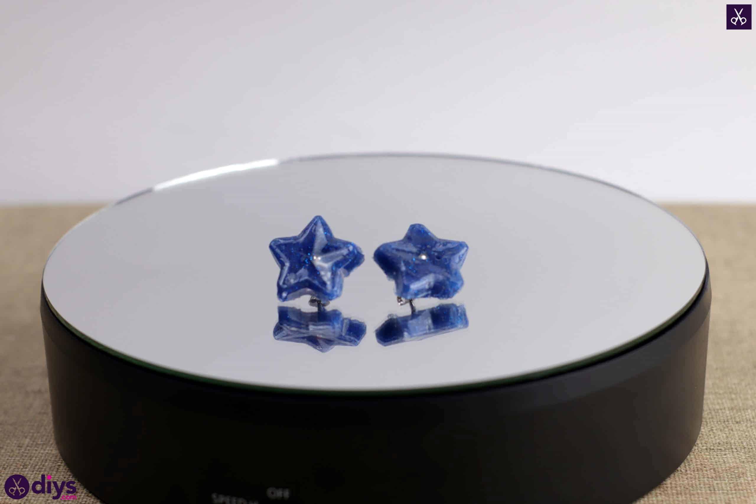 Diy hot glue star earrings