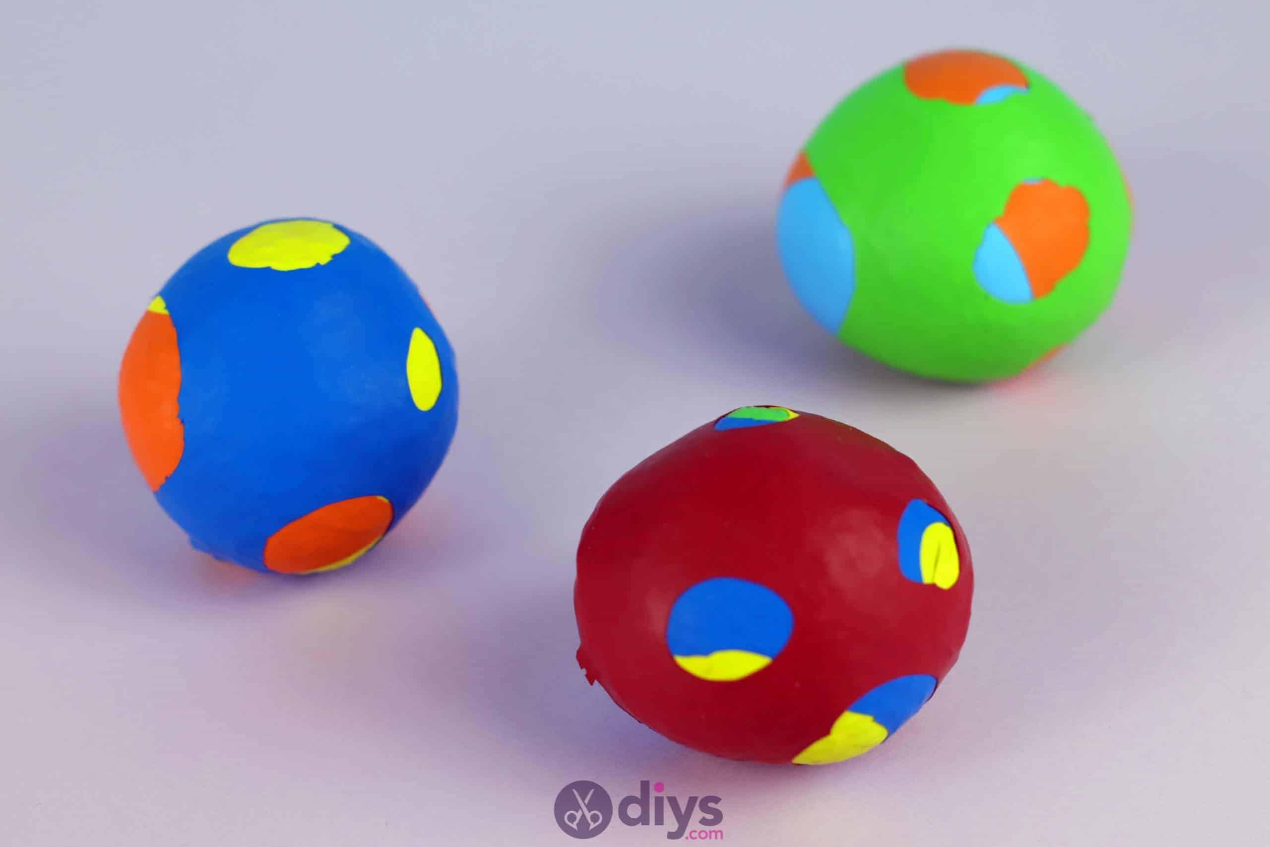 Diy juggling balls colorful