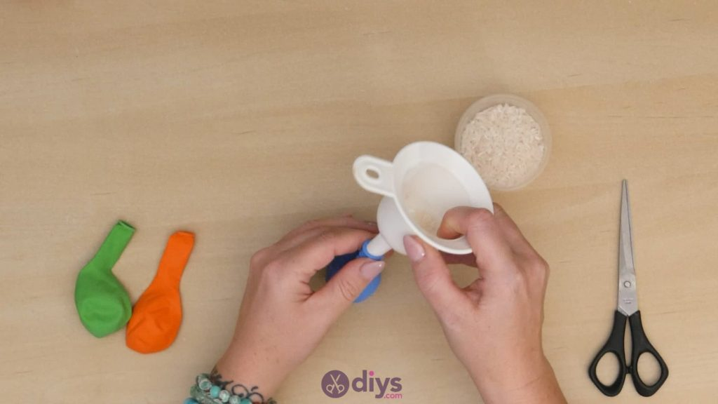 Diy juggling balls step 2