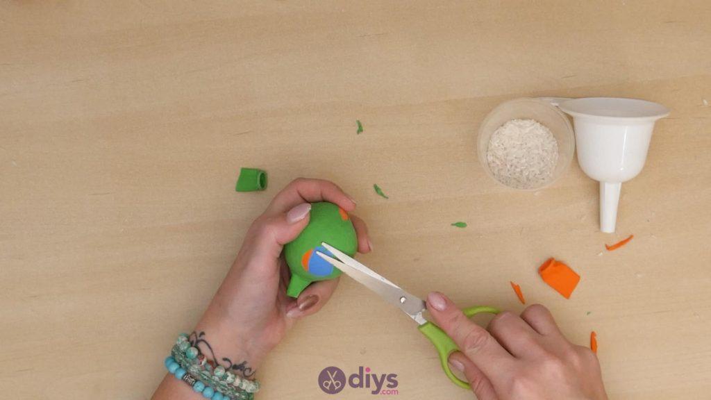 Diy juggling balls step 5c