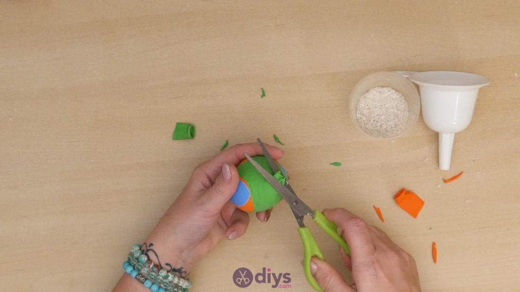 Diy juggling balls step 5d