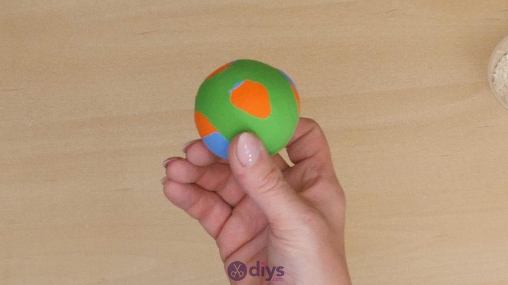 Diy juggling balls step 6