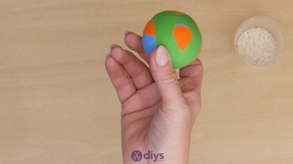 Diy juggling balls step 6a