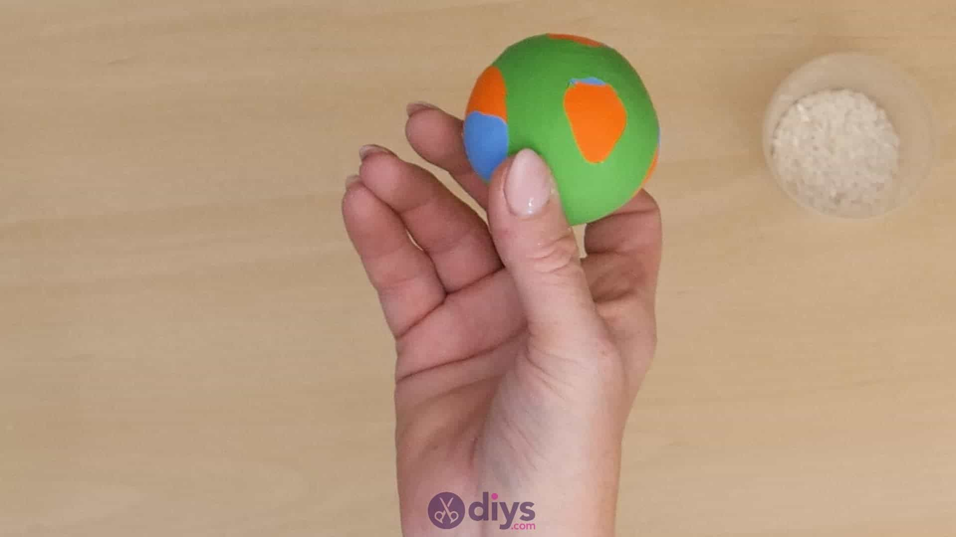 Diy juggling balls step 6a