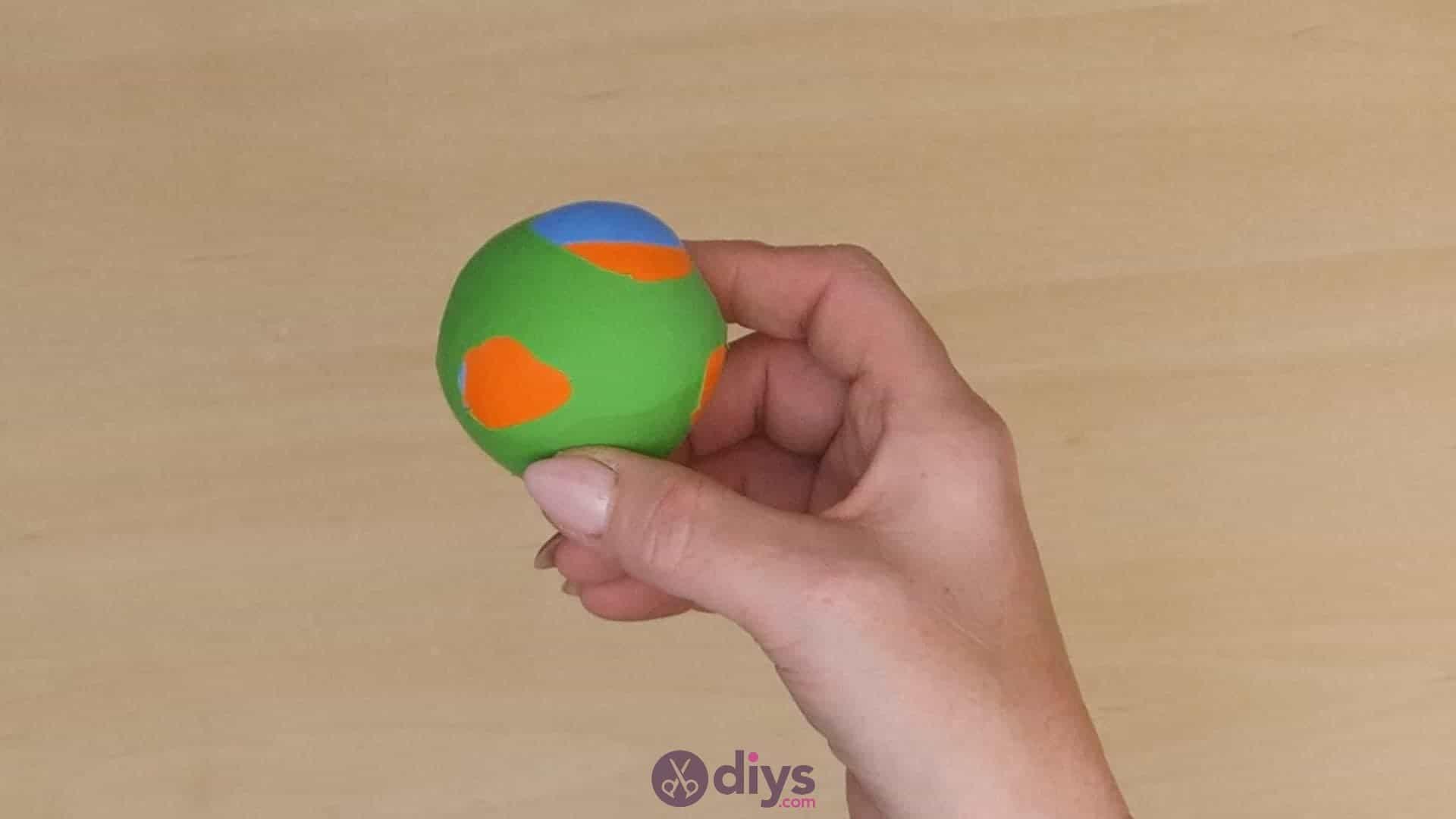 Diy juggling balls step 6b