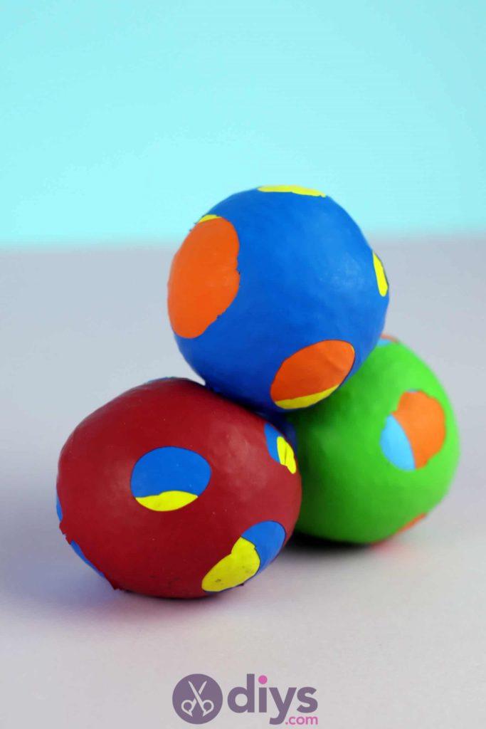 Diy juggling balls step 6d