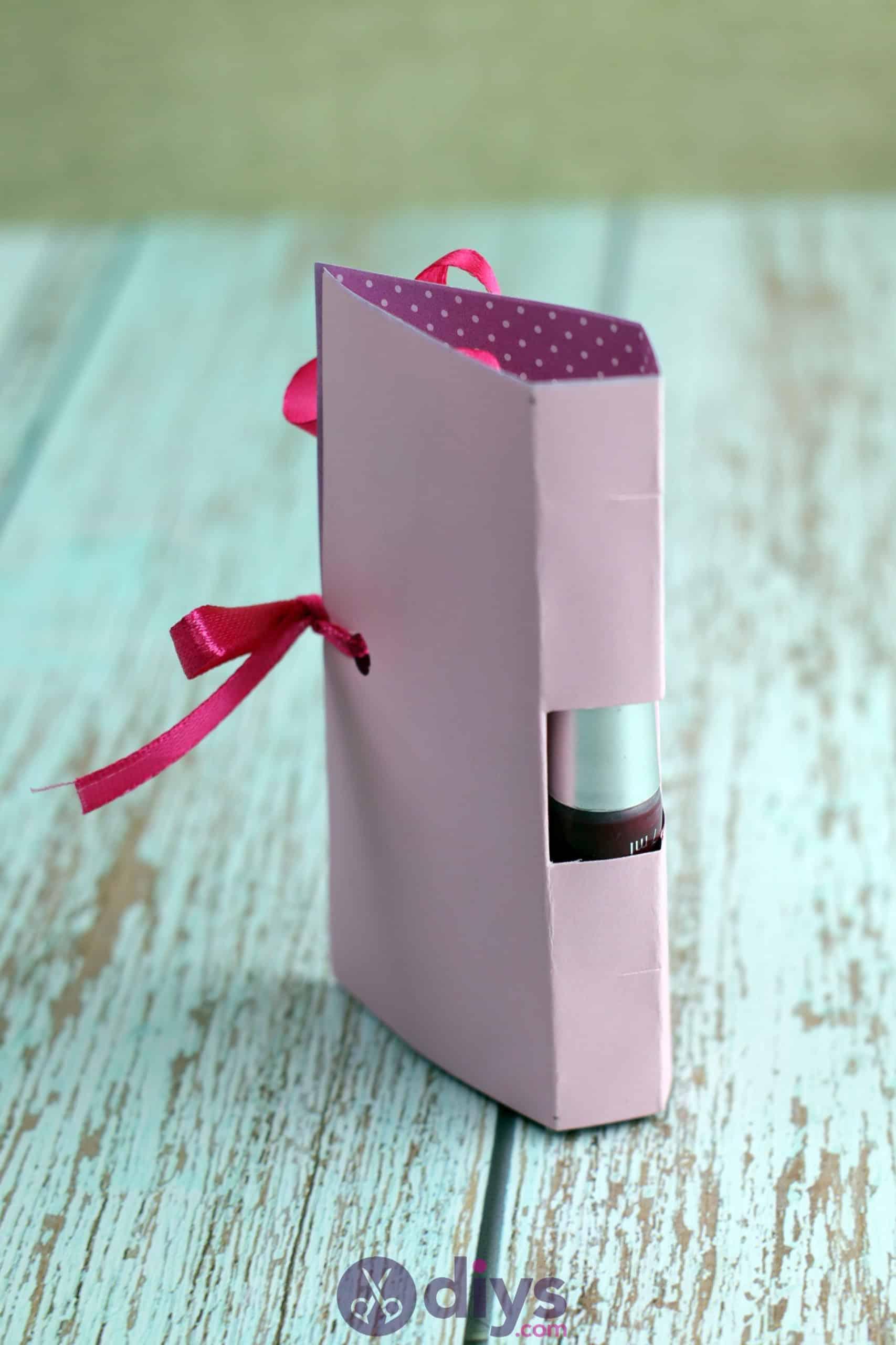 Diy lipstick gift card step 115