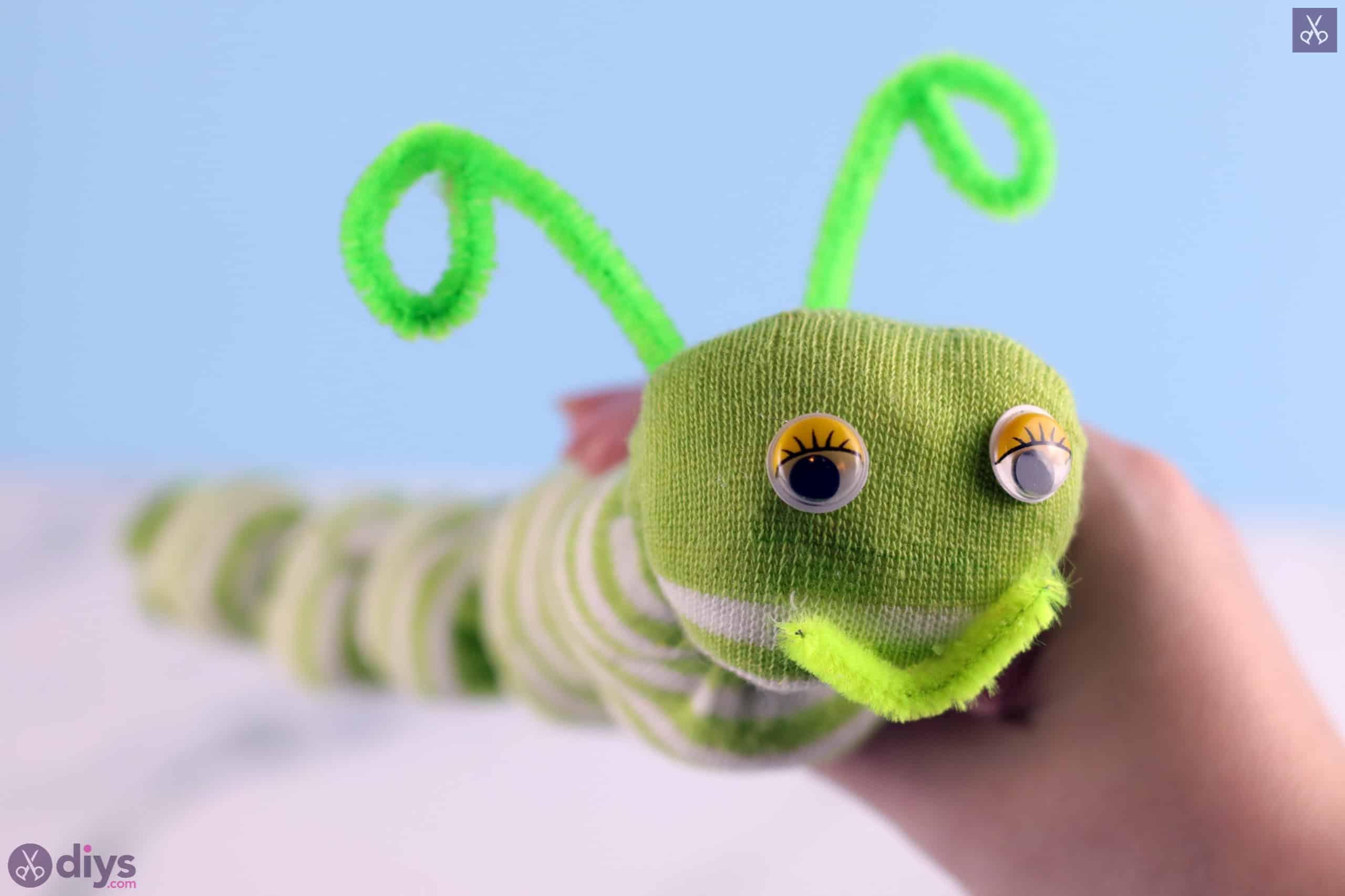 Diy no sew sock worm for kids
