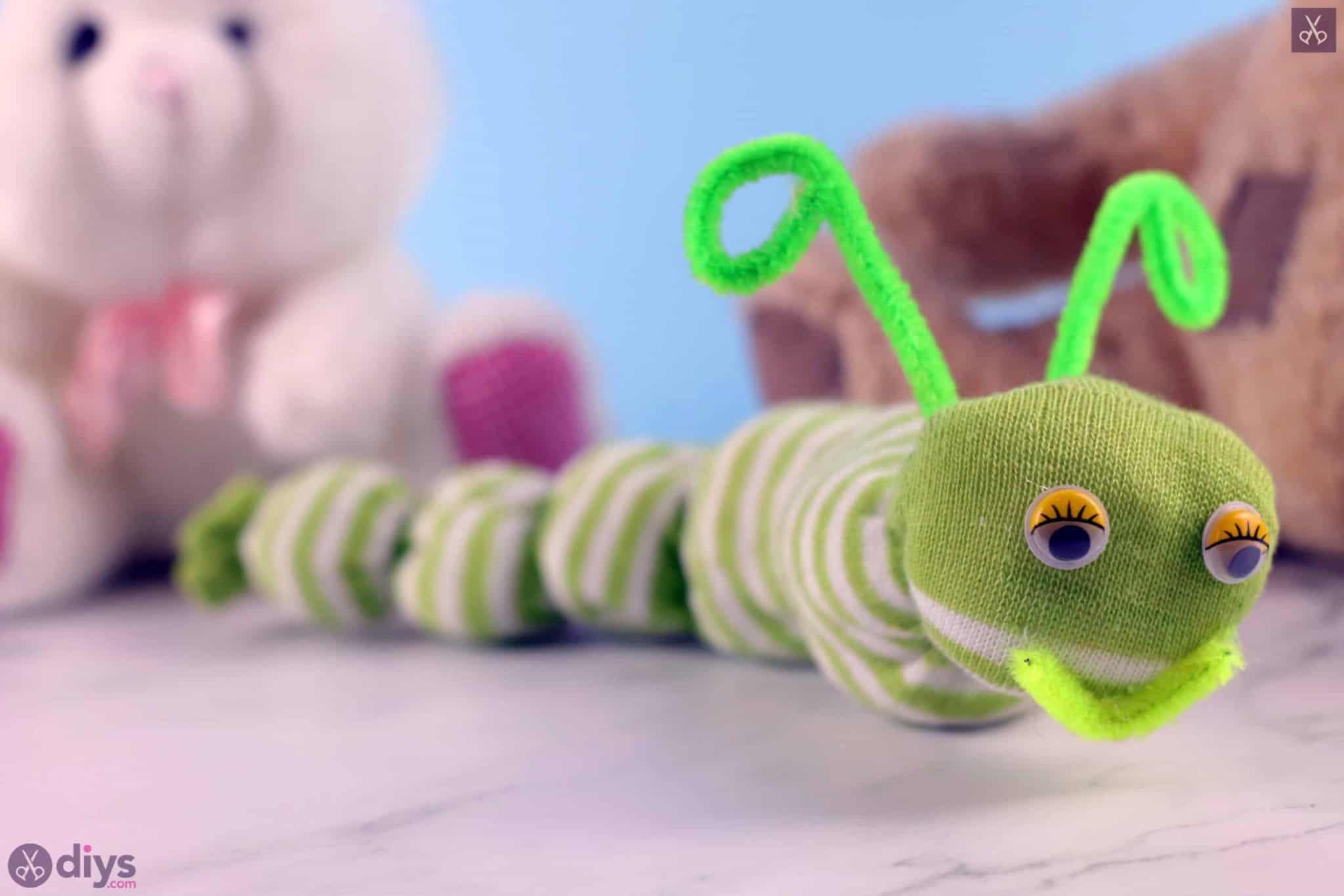 Diy no sew sock worm green