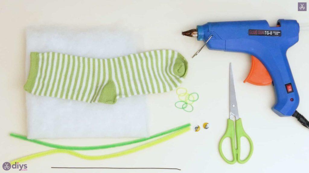 Diy no sew sock worm project