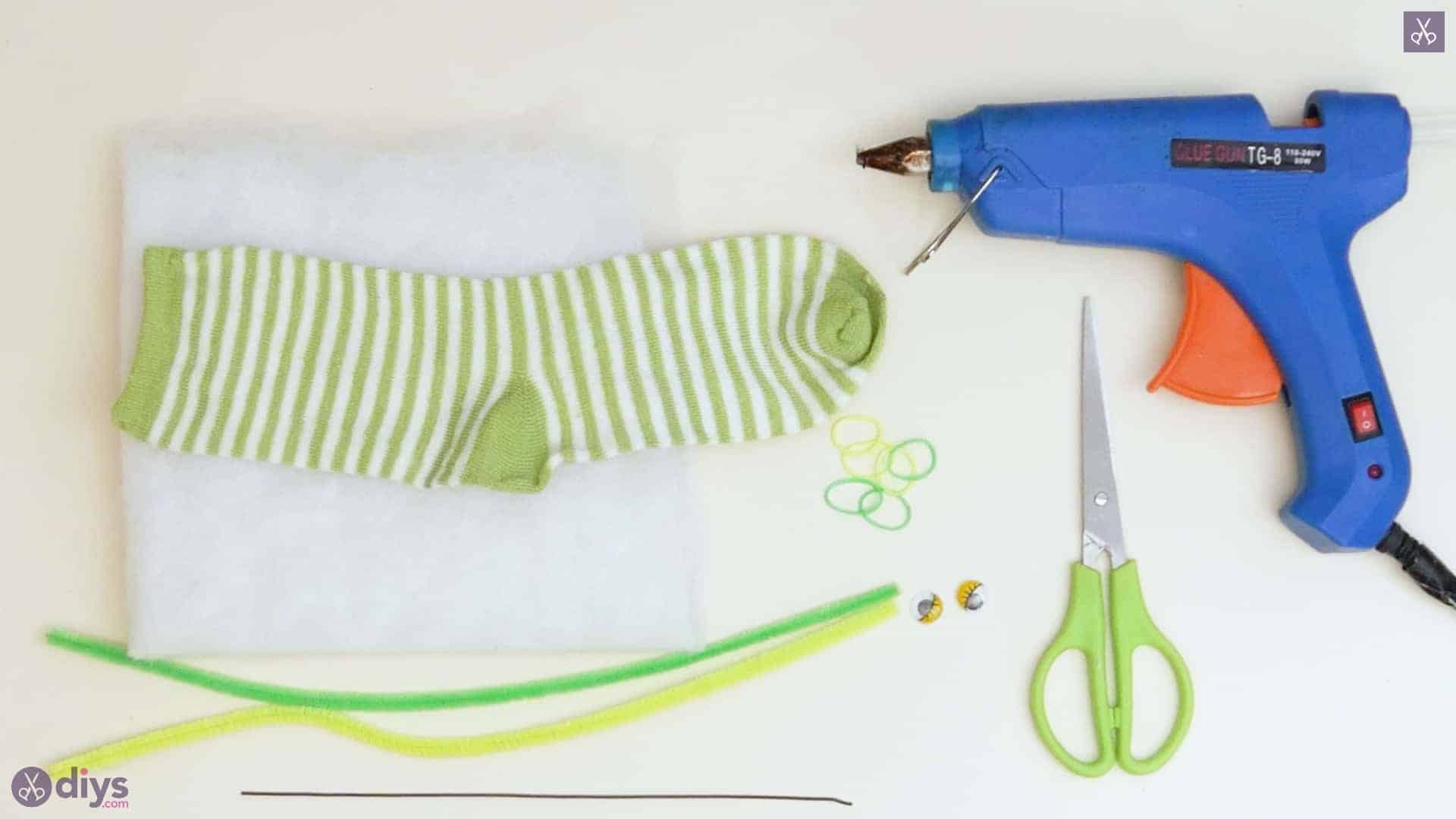 Diy no sew sock worm project