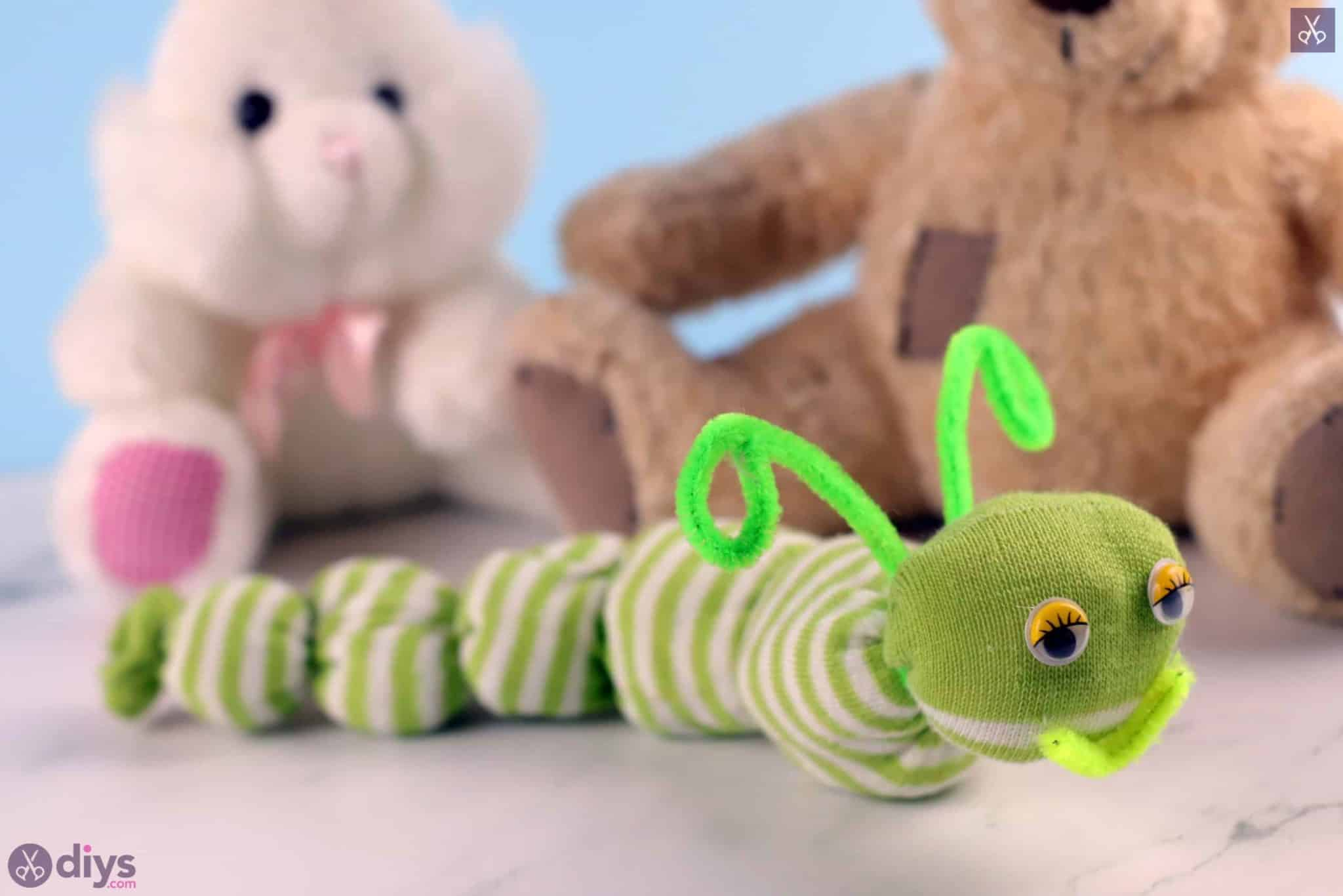 Diy no sew sock worm simple project