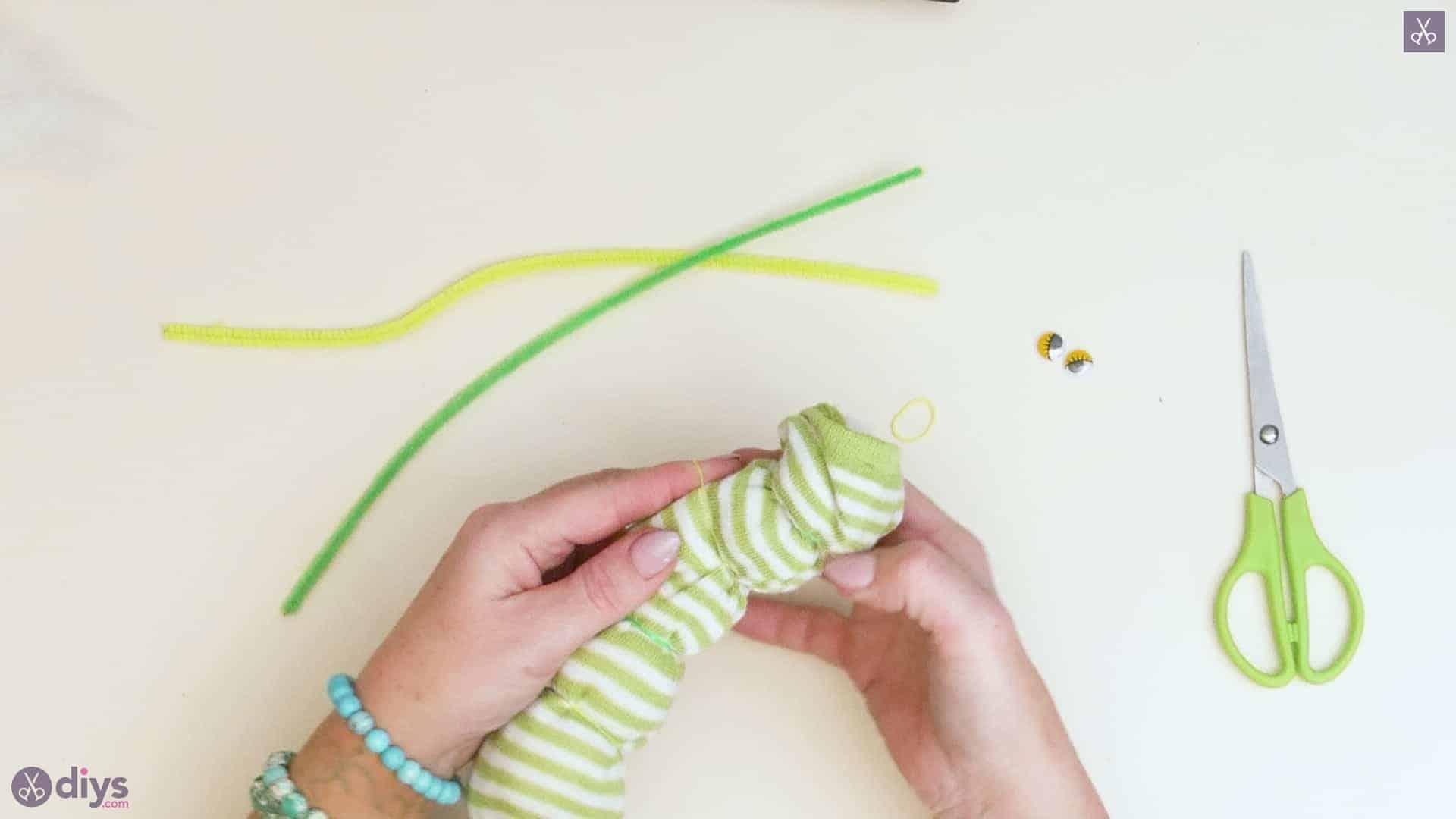 Diy no sew sock worm step 4c