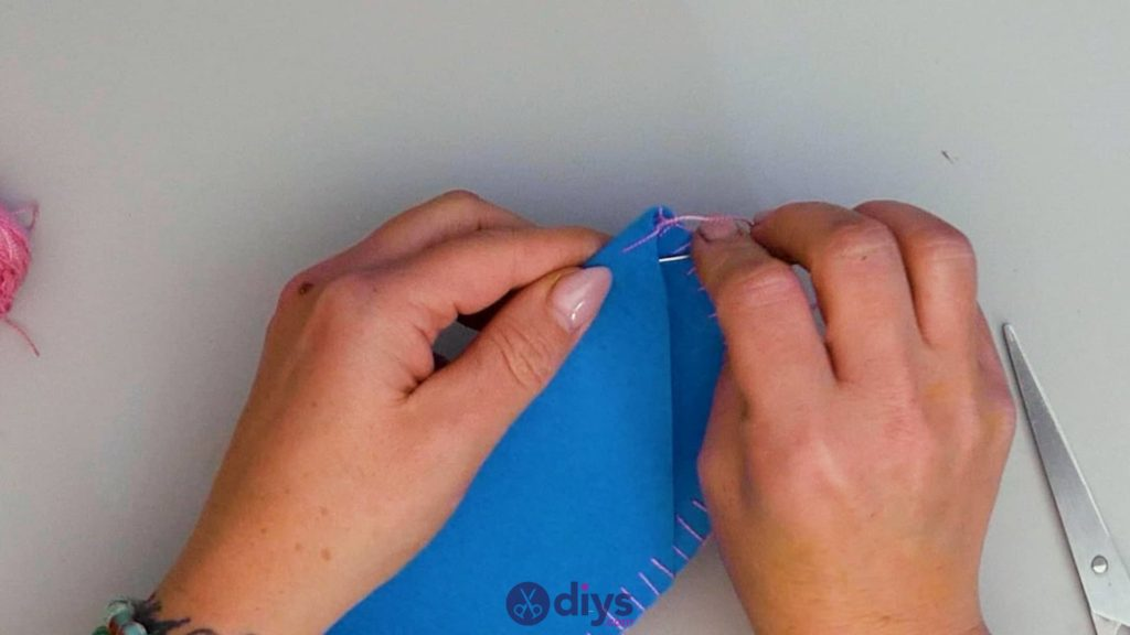 Diy simple felt glasses case step 9b