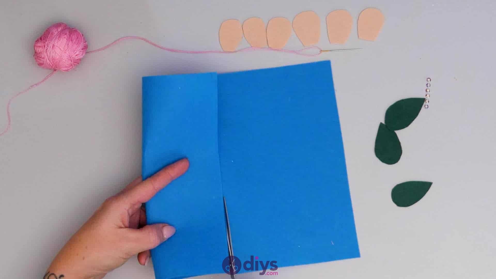 Diy simple felt glasses case step5