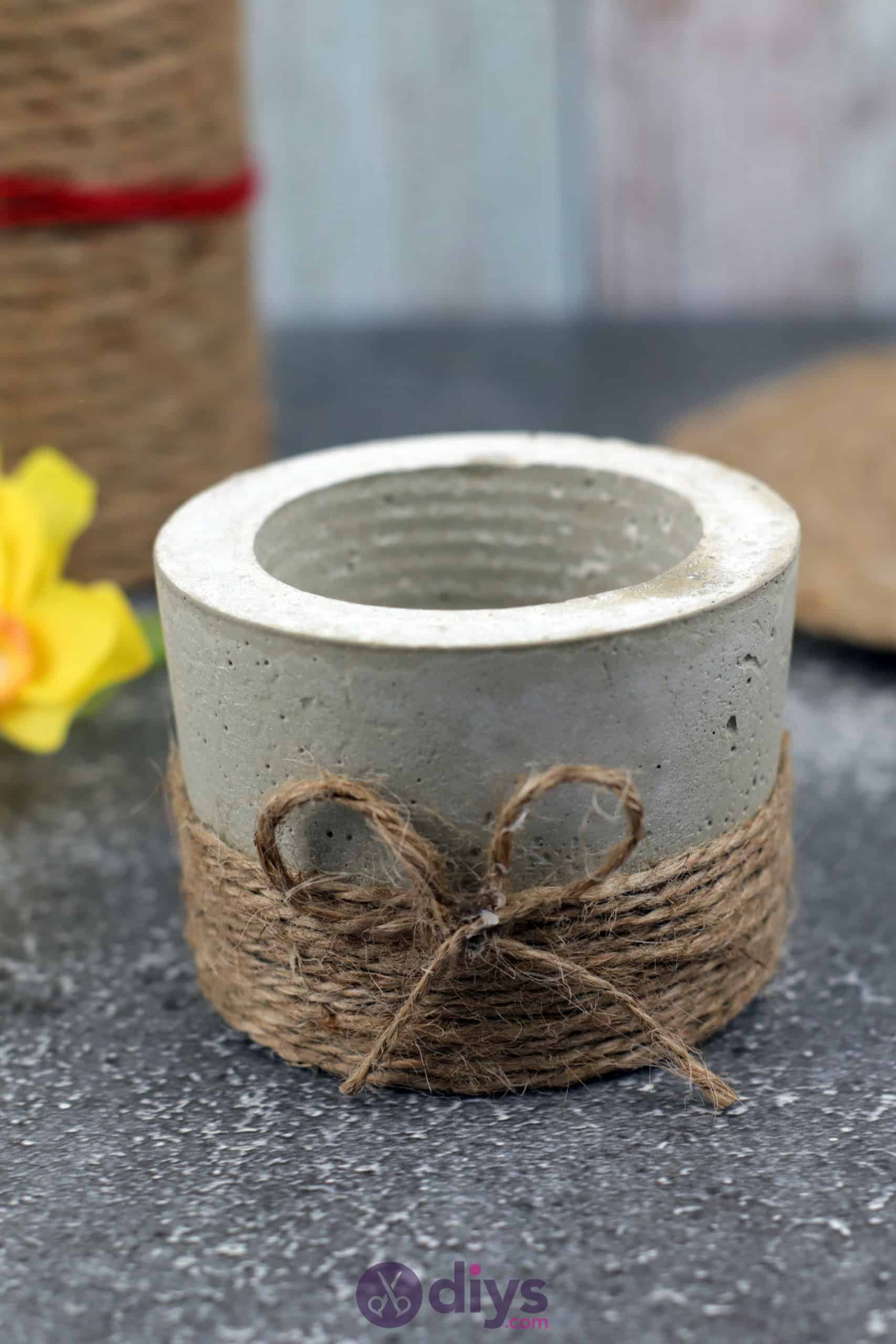 Diy small concrete planter jute