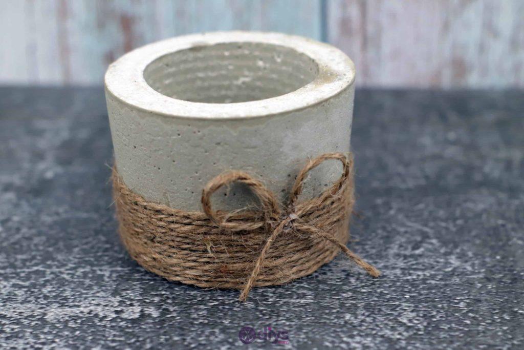 Diy small concrete planter rustic