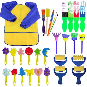 Designed paint sponges and apron set