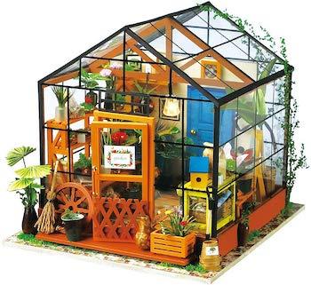 Hands craft 3d miniature dollhouse puzzle