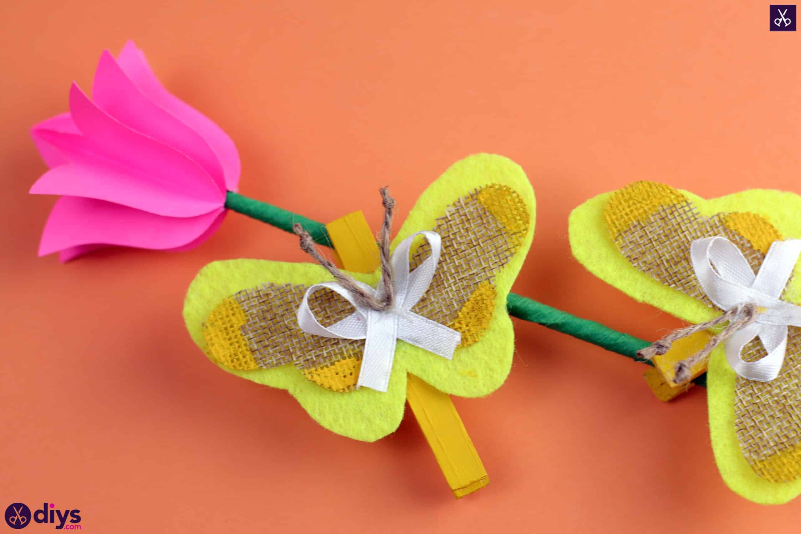 How to craft a butterfly from a clothespin colorful